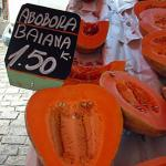Abóbora baiana for sale at a open-air market in Rio de Janeiro, Brazil. (Photo by Frank Mangan)